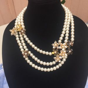 Jewelry - Saks Fifth Avenue Statement Necklace